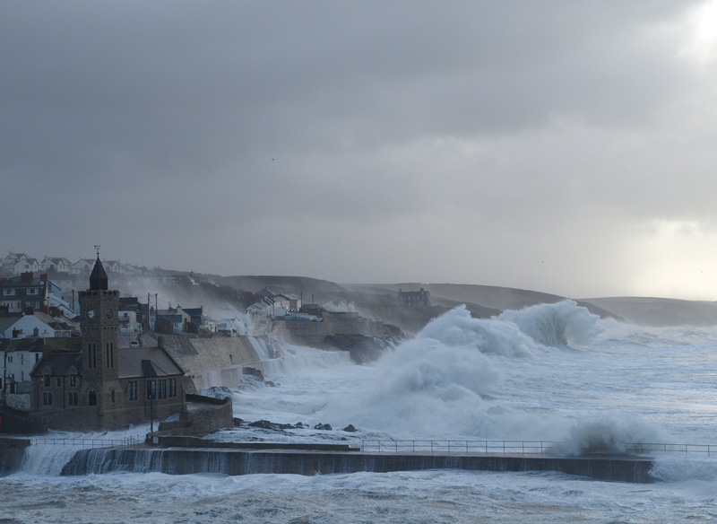Porthleven Waves © Freya Laughton